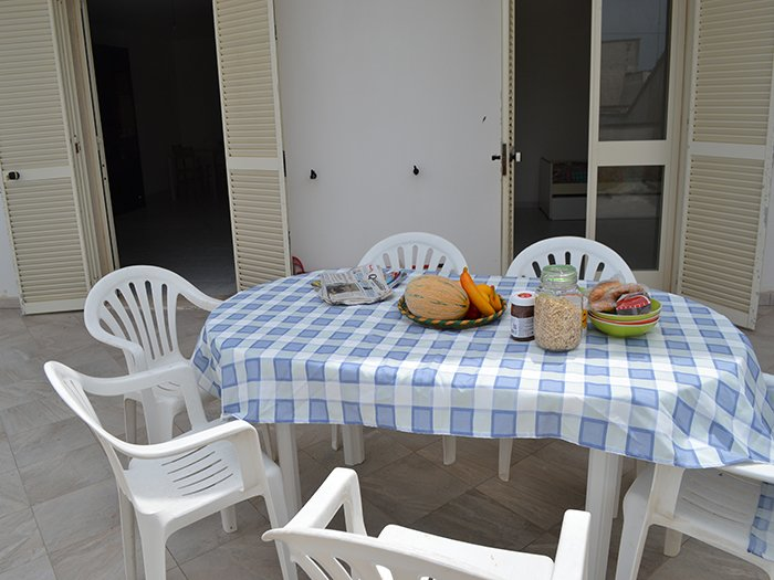 App.to primo piano- LL17- Via Martiri Belfiore, 36 SAN FOCA distanza mare 250, holiday rental in Roca Vecchia