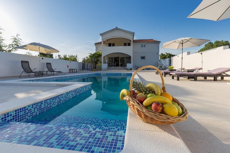 Villa StellaVita, location de vacances à Lozovac