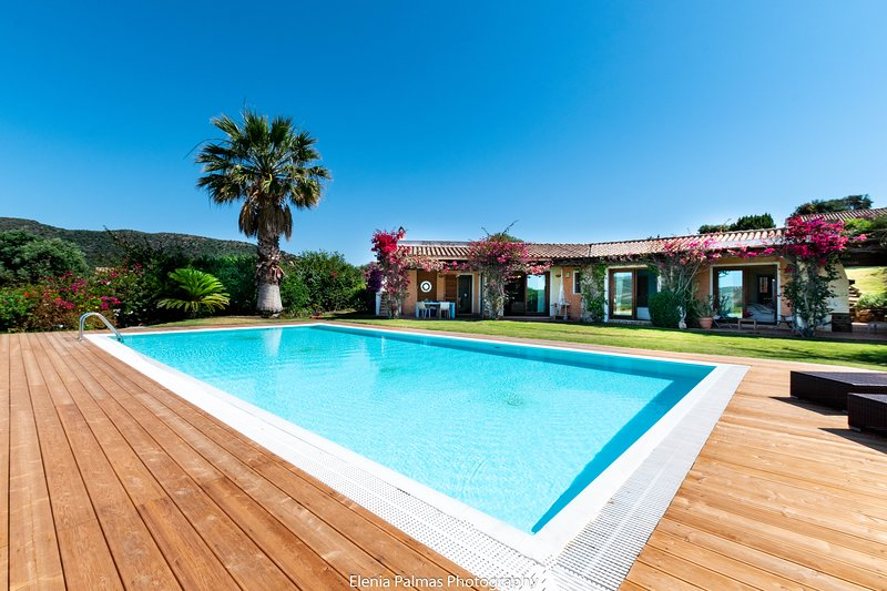 Villa Laguna, casa vacanza a Domus de Maria