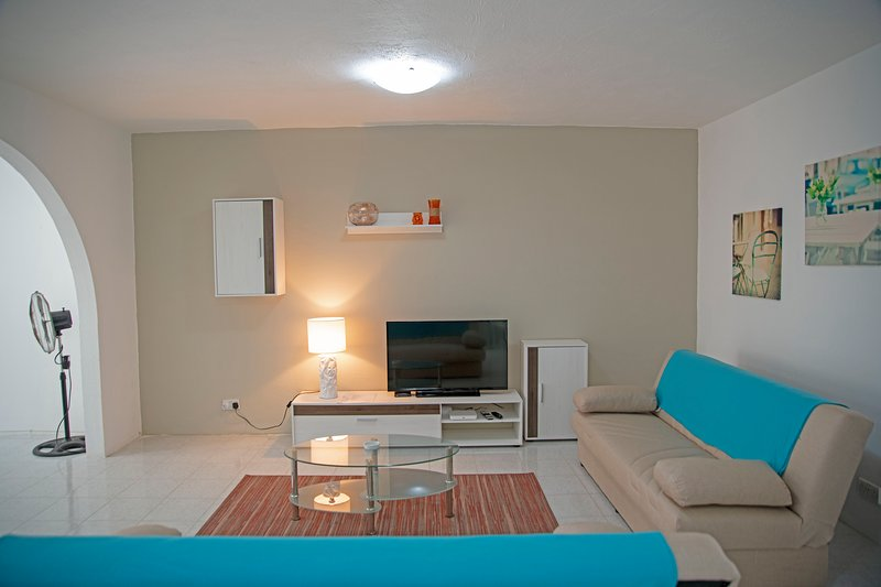 Home away from home, spacious and close to amenities, alquiler vacacional en Marsaskala