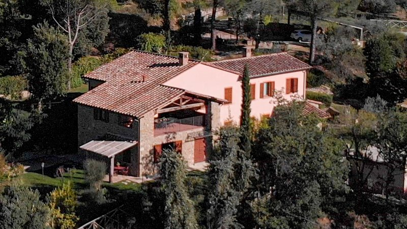 Brunello, the wine lover villa with pool - a Fontanaro Property, alquiler vacacional en Perugia