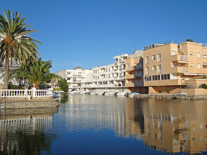 Port Mistral, holiday rental in Vilacolum