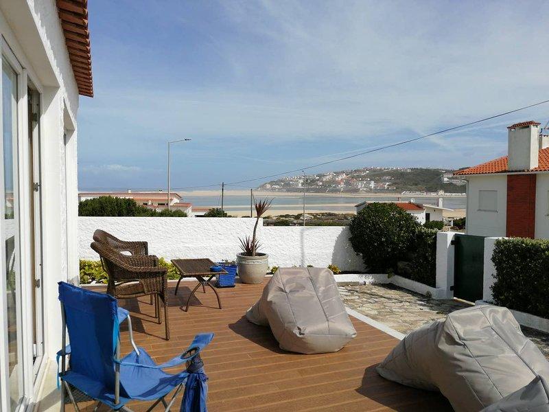 Nice property with sea view & Wifi, location de vacances à Foz Arelho