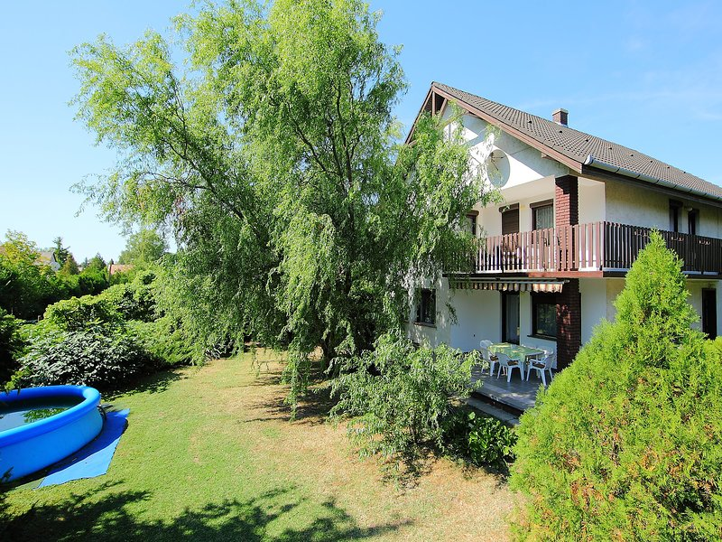 Picea, vacation rental in Balatonfenyves