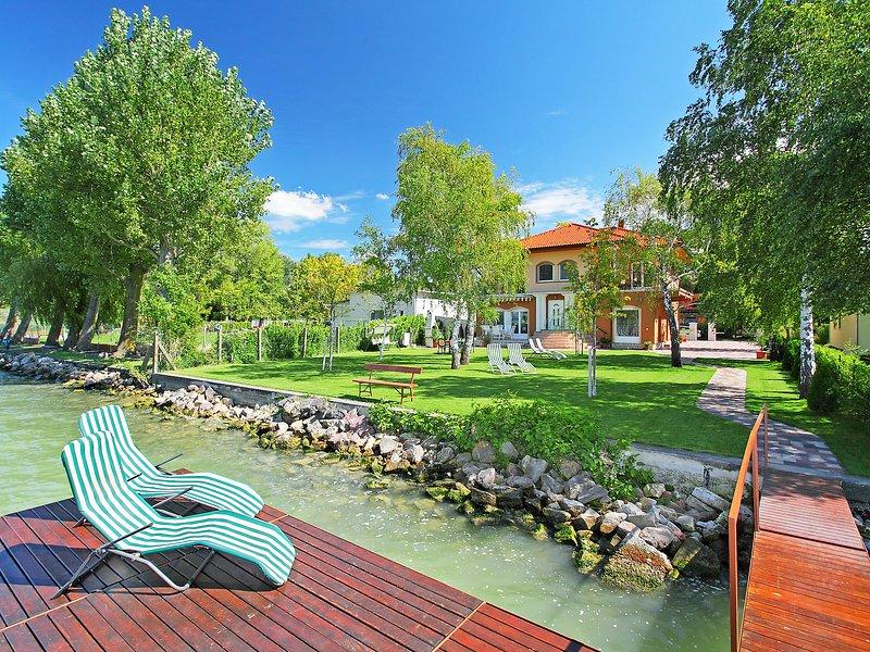 Balaton A2033, vacation rental in Balatonlelle
