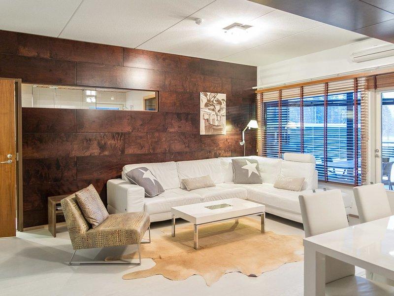 Tahko spa suites orange a 4, holiday rental in Varpaisjaervi