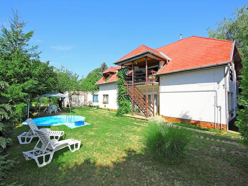 Paulownia, holiday rental in Balatonfoldvar
