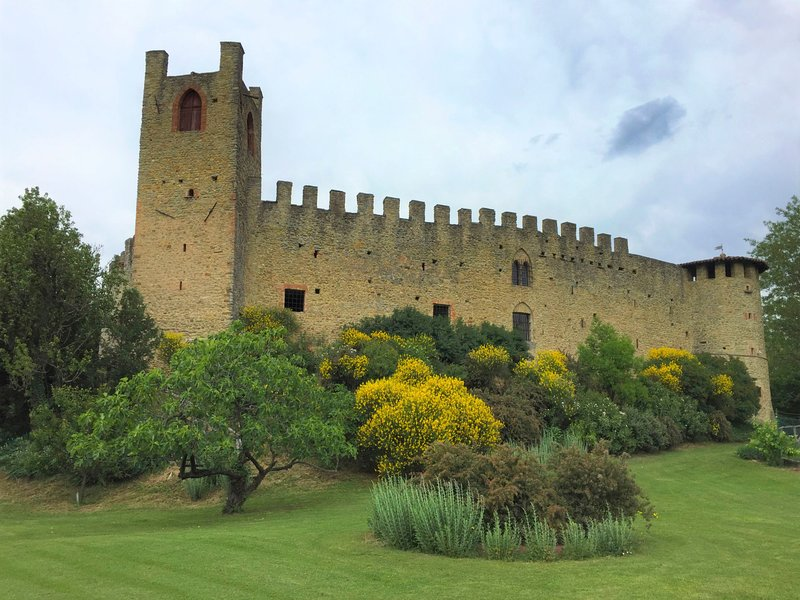 Castello di Magnano, vacation rental in Gropparello