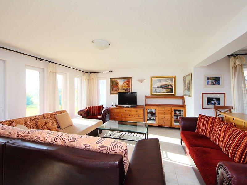 Balaton A2034, holiday rental in Szentantalfa
