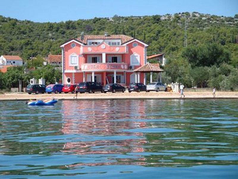 Ivana, vacation rental in Raslina