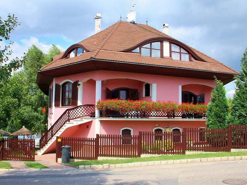 Balaton H055, holiday rental in Balatonfuzfo