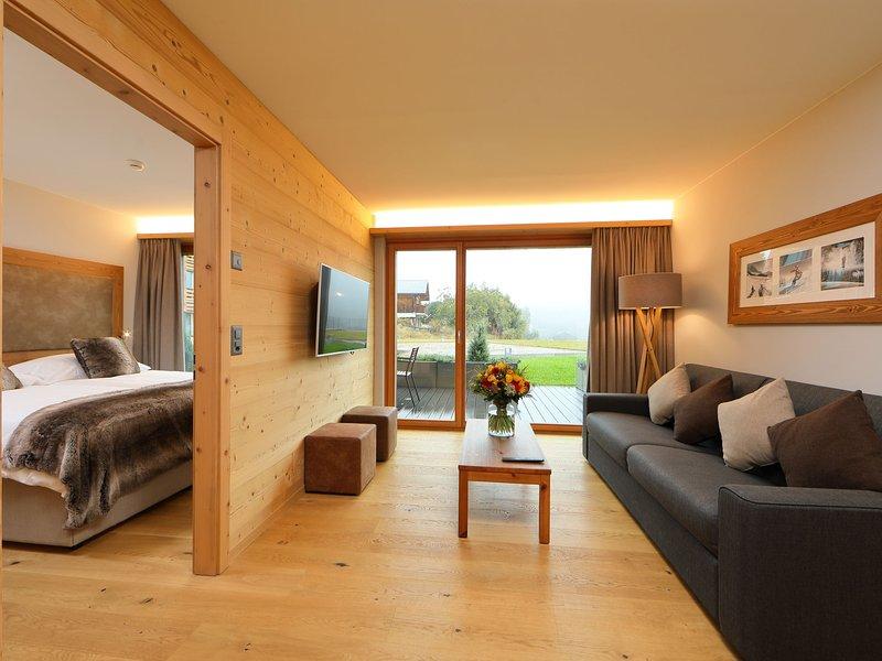 SWISSPEAK Resorts terrace ou balcon, vacation rental in Saint Jean
