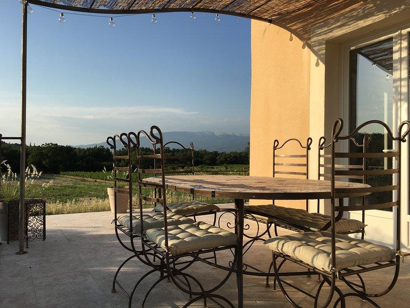 Gîte de charme en Provence avec piscine, holiday rental in Malemort-du-Comtat