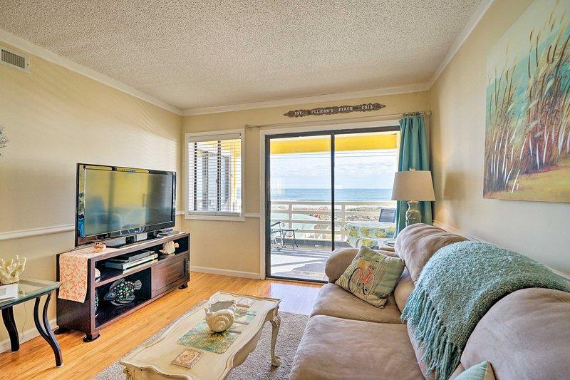 Luxe Beach Retreat w/180-Degree Harb & Ocean Views, location de vacances à Carolina Beach