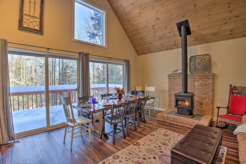 Family Friendly Abode: 10Mi to Cranmore Mtn Resort, location de vacances à Freedom