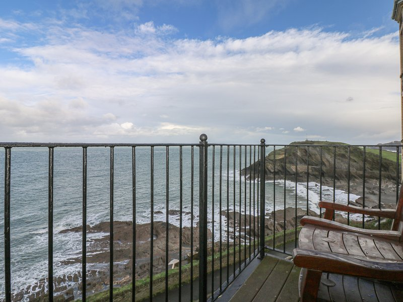 SEASIDERS, smart high quality apartment with outstanding sea views, balconies in, holiday rental in Ilfracombe
