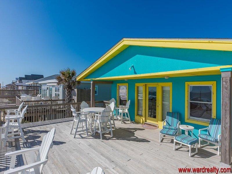 Sun Deck à beira-mar com varanda coberta