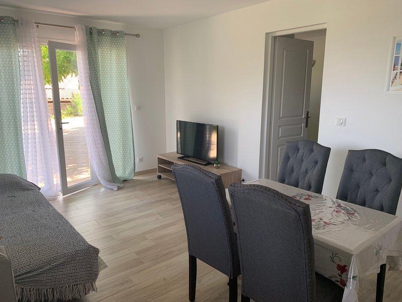 Rdc de villa, holiday rental in Sarrola-Carcopino