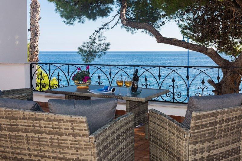 Villa Mallandrino Levante apartment, vacation rental in Raffo