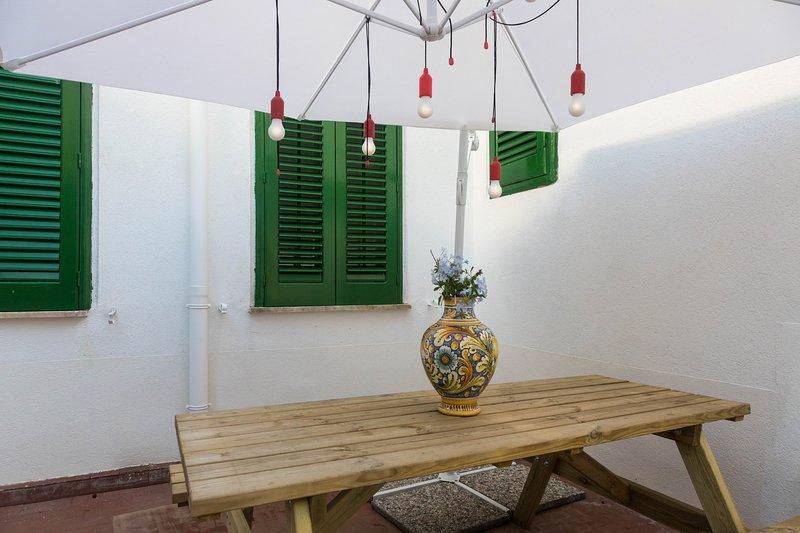 Villa Mallandrino Libeccio apartment, vacation rental in Raffo