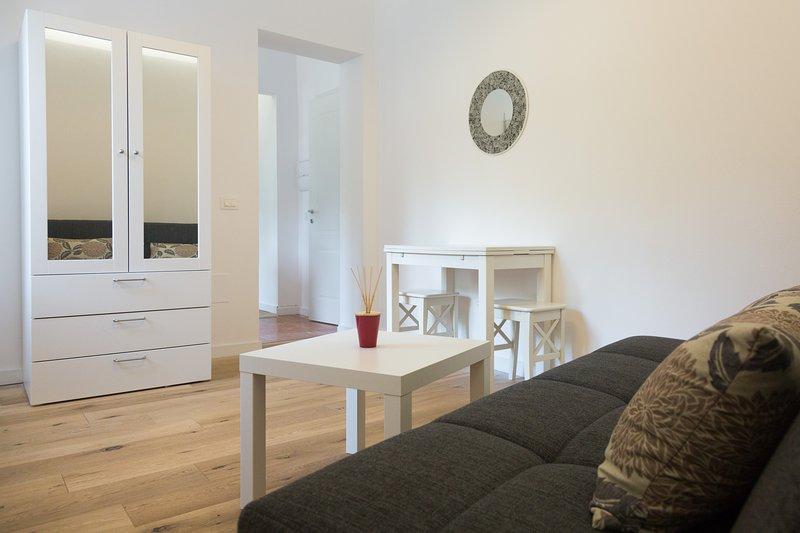 Villa Mallandrino Ponente apartment, vacation rental in Raffo