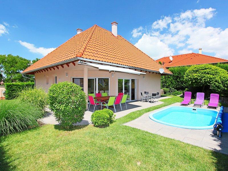 Balaton H614, holiday rental in Sagvar