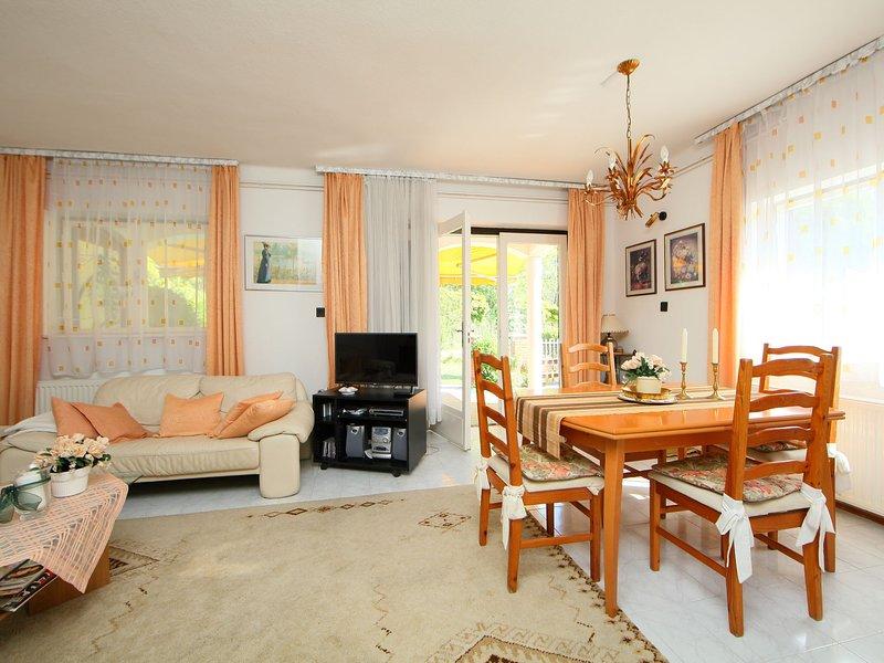 Acacia, holiday rental in Balatonfoldvar