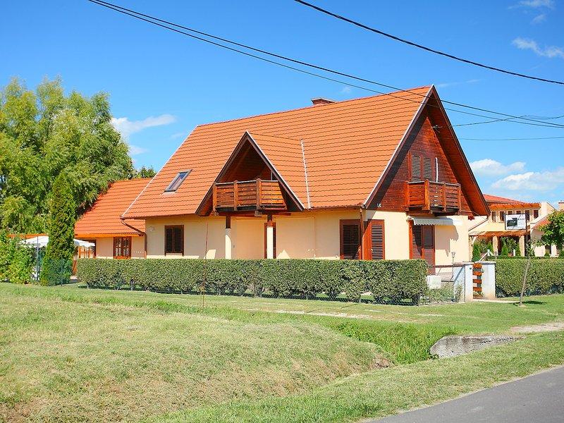 Balaton H2081, holiday rental in Szentantalfa