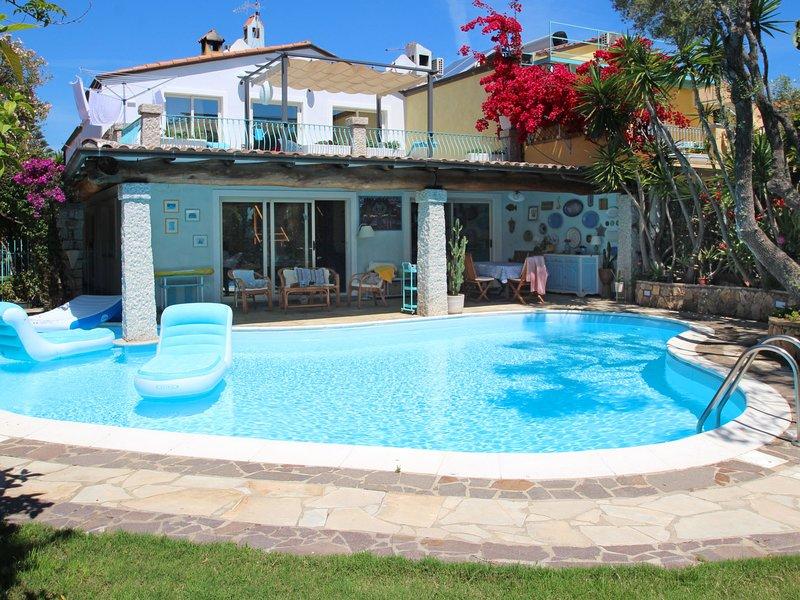 Surphinia, holiday rental in Bari Sardo