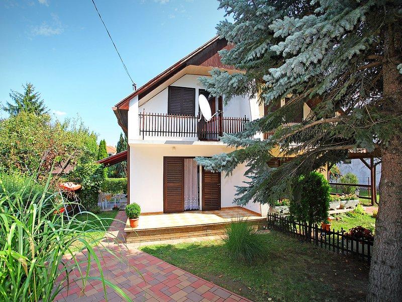Balaton H2048, holiday rental in Szantod