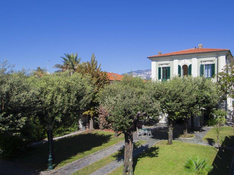 Villa Nicodemi, alquiler de vacaciones en Marina Di Massa