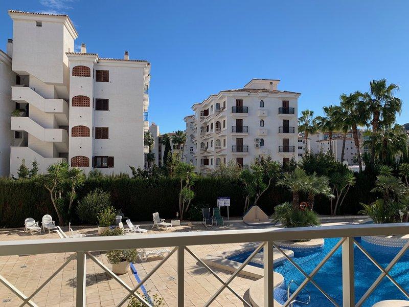 Apartment in the center of Albir, holiday rental in El Albir