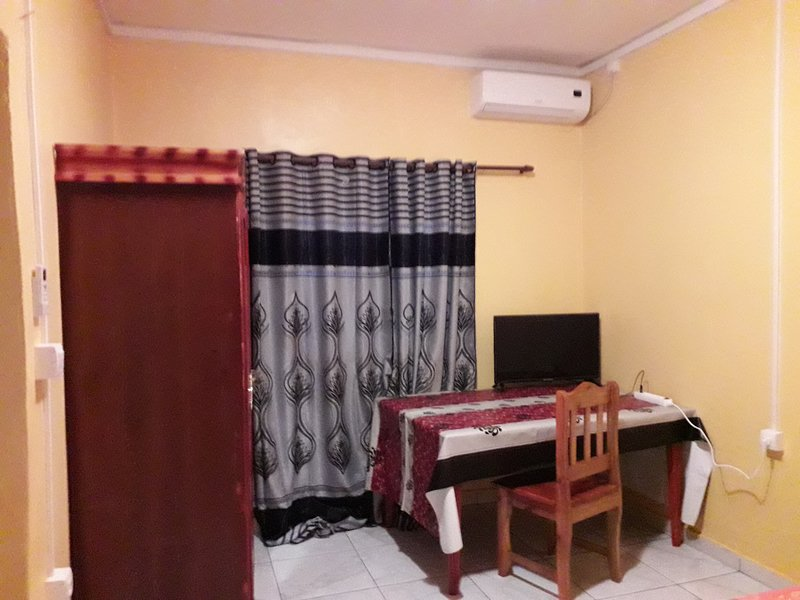 Nice studio with terrace & Wifi, vacation rental in Mamoudzou