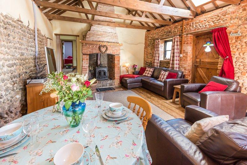 Bramble Cottage, charming converted barn, dog friendly, in a seaside village, location de vacances à Lessingham