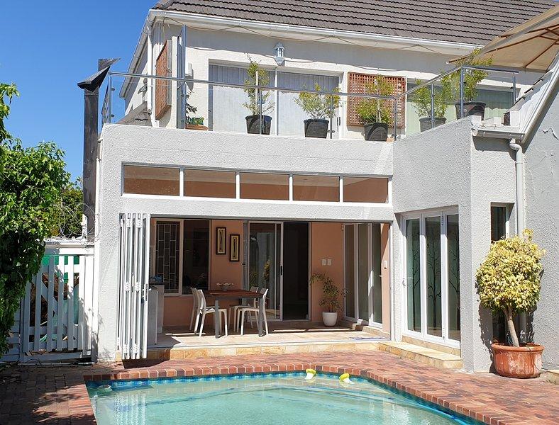Top Nosh Cottage, holiday rental in Constantia