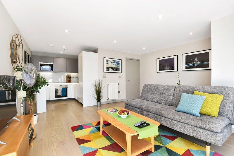 Esquire One Bed Balcony Apartment, Ealing, alquiler vacacional en Ealing
