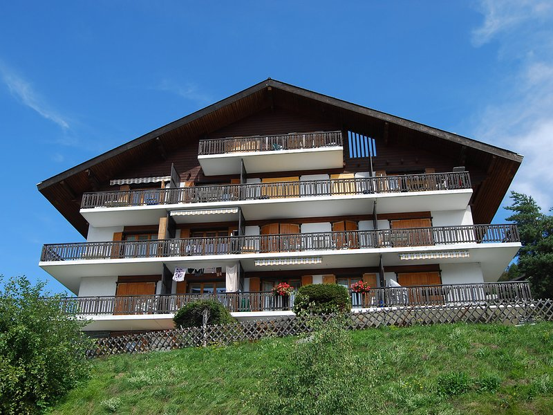 Beausoleil H, holiday rental in Saviese