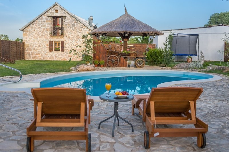 Villa Krka, vacation rental in Drnis