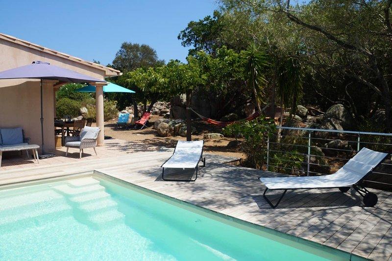 Villa Ucellu, 200 m de la mer et piscine chauffée, holiday rental in Pinarellu