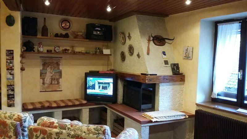 Casa Ciclamino Val Di Sole (120mq), holiday rental in Cles