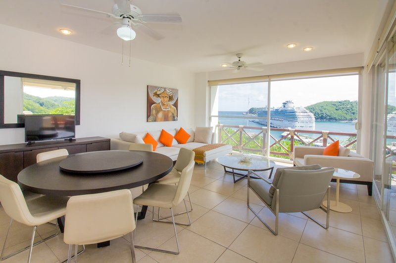 78956 - Spacious & Oceanfront in Paradise, holiday rental in Huatulco