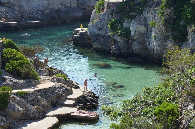 Apartamentos Biniforcat CB, vacation rental in Ciutadella