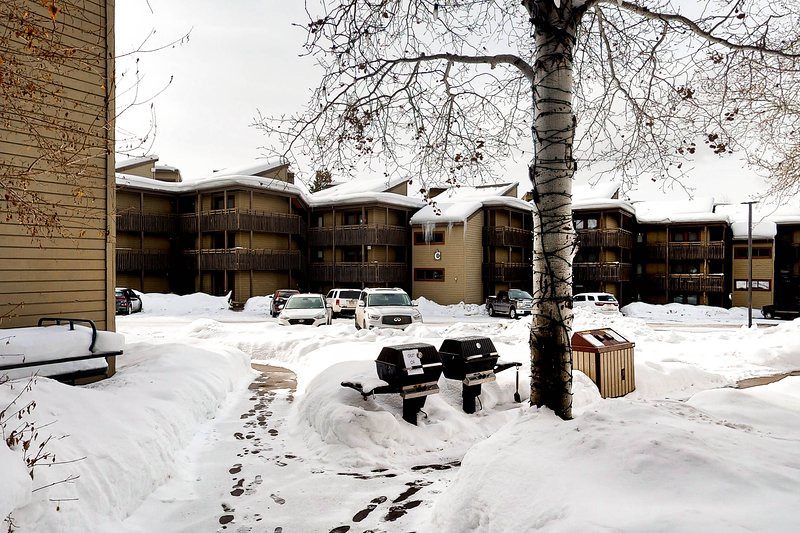 Heart of Steamboat Springs Village, walk to gondola & access to resort amenities Chalet in Steamboat