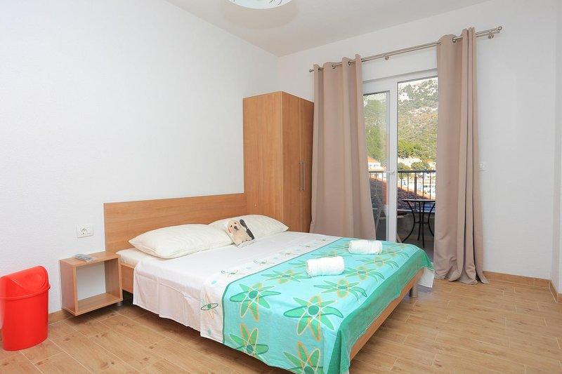 Studio flat Drvenik Donja vala, Makarska (AS-18027-a), casa vacanza a Drvenik