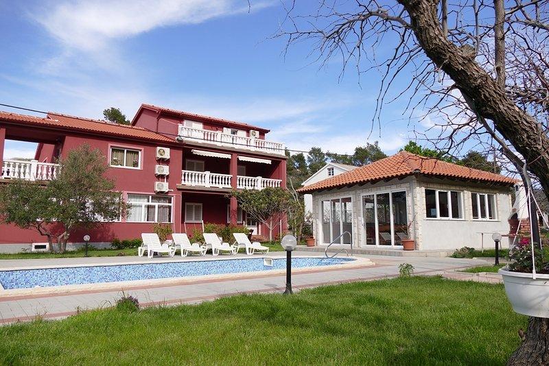 Ferienwohnung 4912-3 für 6 Pers. in Mundanije, vacation rental in Mundanije