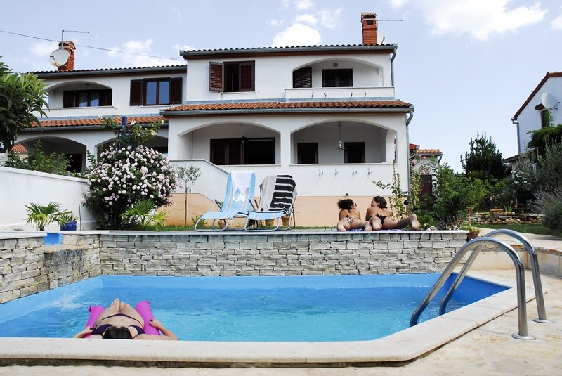 Ferienhaus 4876-1 für 7 Pers. in Vabriga, vacation rental in Cervar Porat