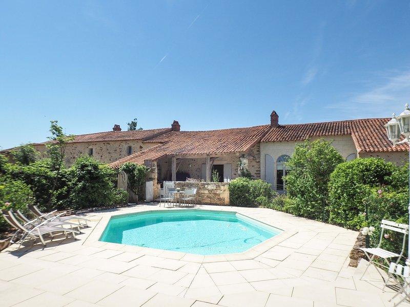 Gîte de l'Orangerie, holiday rental in La Caillere-Saint-Hilaire