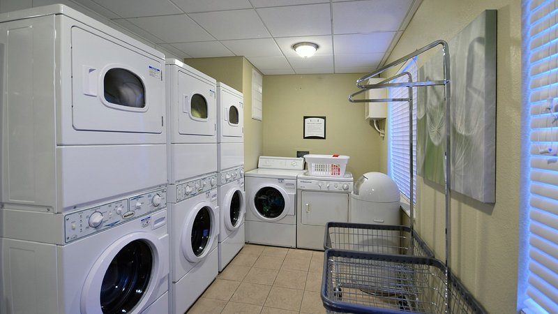 Faites votre lessive en toute simplicité en utilisant les installations sur place.