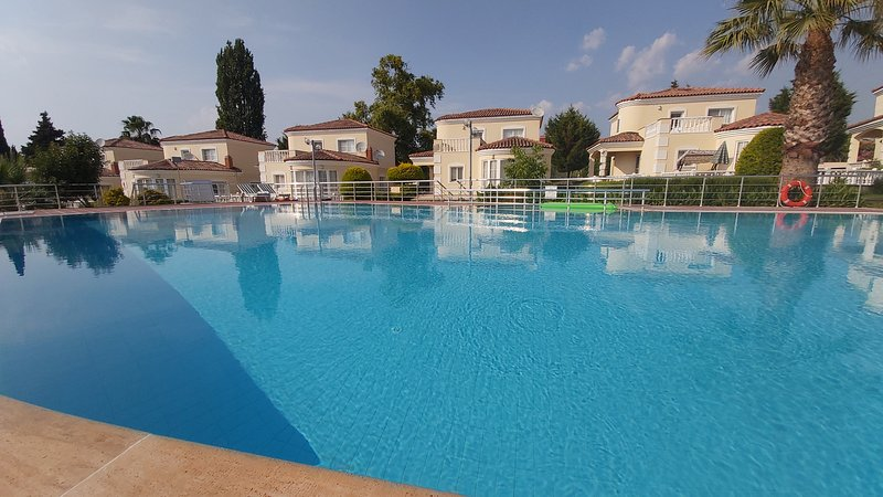 Exclusive 3 Bed Detached Villa Private Garden/3, holiday rental in Kusadasi