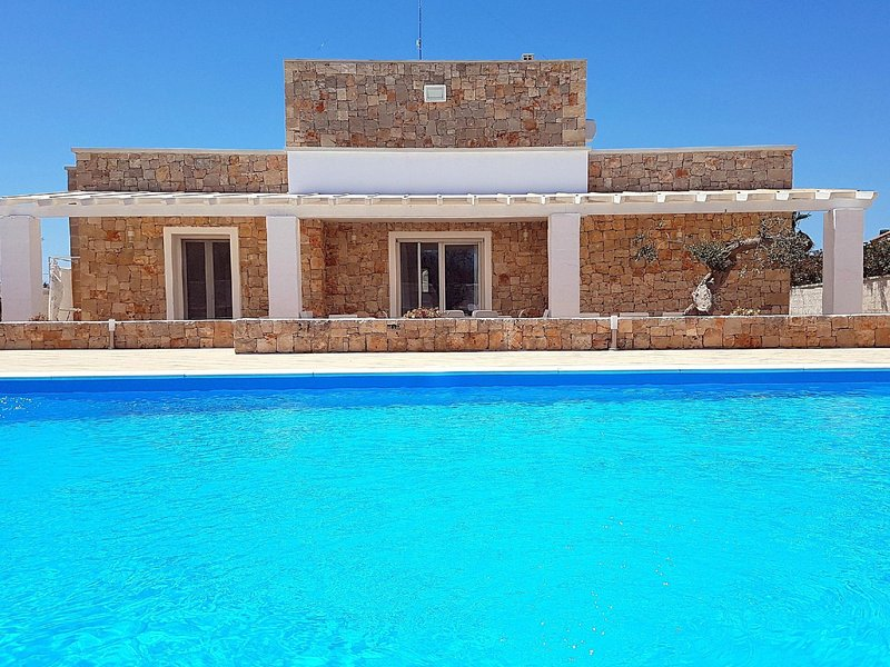 Malaspina luxury pool, alquiler vacacional en Capilungo